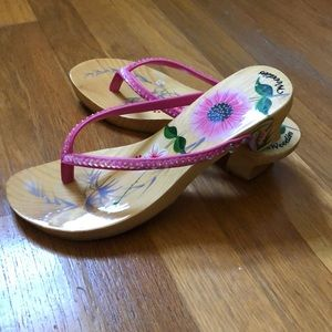 Shoes - Like-New Woodies sandal - Tropic flower - pink